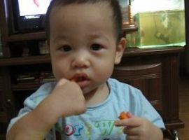 Cho trẻ ăn gì khi đang mọc răng
