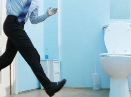 Hỏi: Tôi bị đi tiểu nhiều lần, dòng nước tiểu yếu là bệnh gì?
