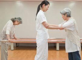 Bài tập phục hồi chức năng cho người tai biến mạch máu não