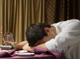Bị liệt dương và vô sinh vì trót làm bạn với rượu