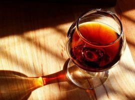 Bia rượu hủy hoại sức khỏe người Việt