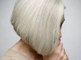 Hỏi: Em 18 tuổi, bạc tóc từ năm 10 tuổi?