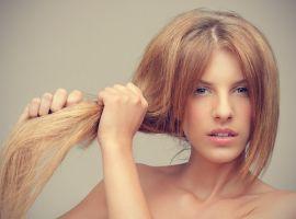 Làm mặt nạ dưỡng tóc cho mái tóc chẻ ngọn