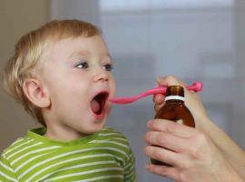 Mẹ nhờ bác sĩ google chữa bệnh cho con, con kháng kháng sinh